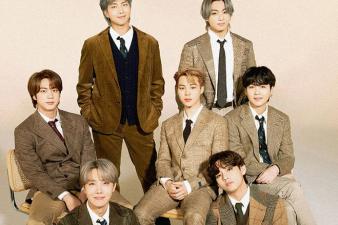 Nhóm nhạc bên ngoài đẹp trai, bên trong nhiều tiền của Hàn Quốc