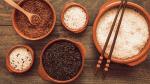 Có nên dùng gạo lứt thay hoàn toàn gạo trắng?