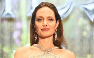 Angelina Jolie từng bị tổn thương sau ly hôn Brad Pitt
