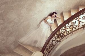 Lương Thùy Linh hóa cô dâu kiêu kỳ, khoe nhan sắc chín muồi ở tuổi 20