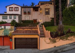 Biệt thự cũ của Brad Pitt được rao bán 50 tỷ đồng