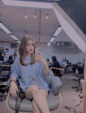 Đổi kiểu tóc mới cực Tây, vợ cũ Việt Anh mong kiếm được người yêu