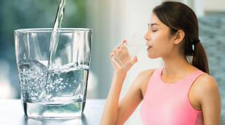 """Uống một cốc nước vào buổi sáng, cơ thể thầm """"cảm ơn"""" vì lợi ích tuyệt vời này"""