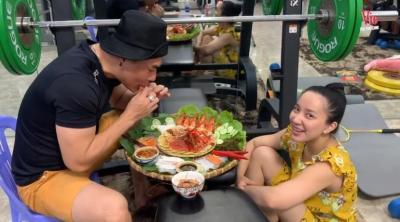 Lê Dương Bảo Lâm lên tiếng khi bị chỉ trích khoe đồ ăn đắt đỏ giữa mùa dịch